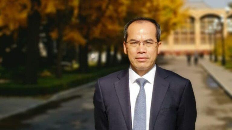 Dr. Zheng