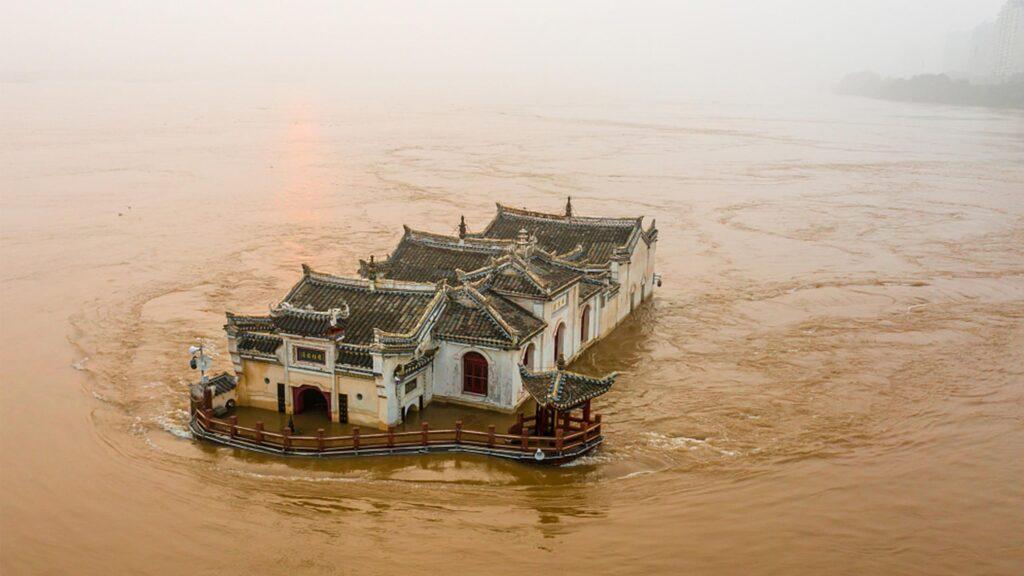 700-year-old pavilion in Yangtze floodwater, 2020