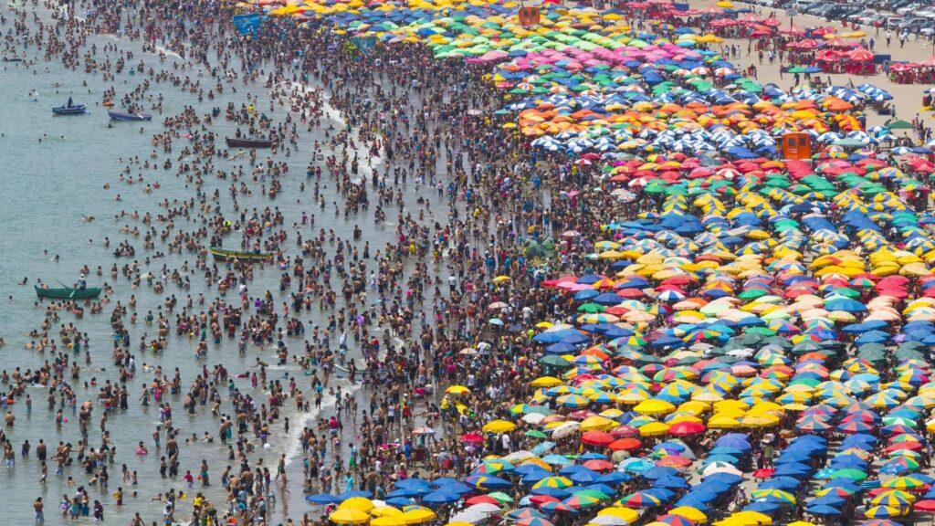 Crowded beach under heatwave, Lima, 2015